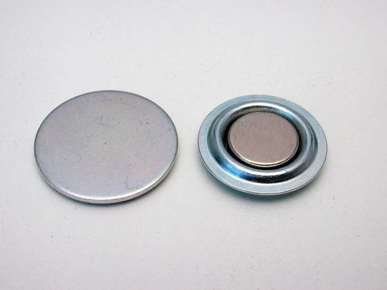 Round magnet for magnetic badges
