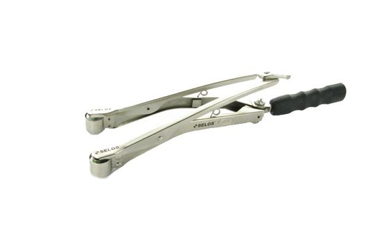 Magnetic pliers